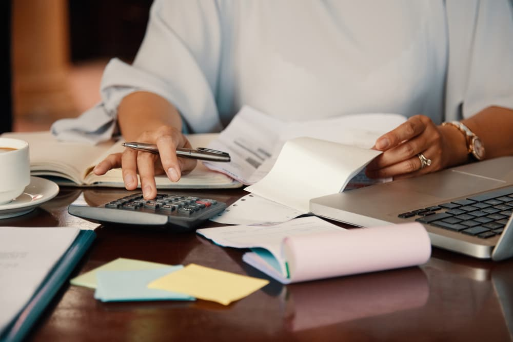 ¿Sabes cómo hacer correctamente correcciones en una factura emitida?
